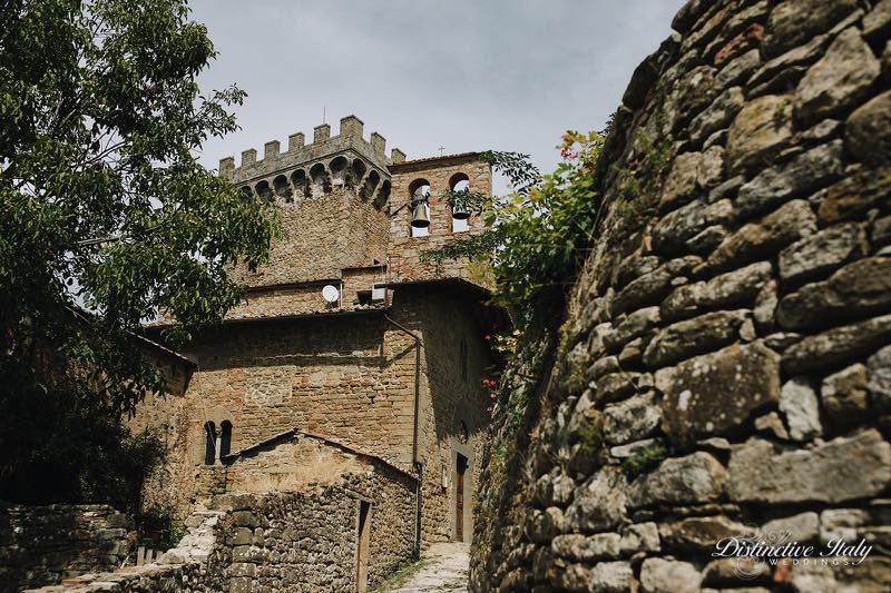 tuscany castle wedding 08