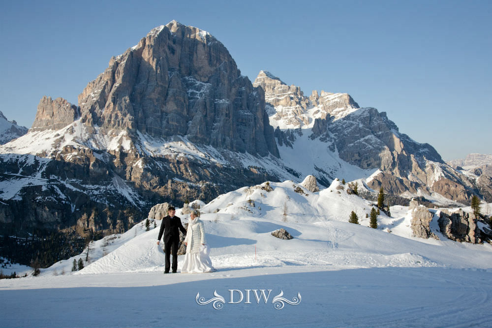 snow wedding in italy alps