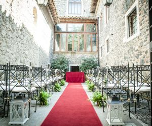 08-roman-wedding-castle-venue