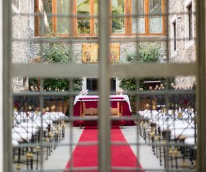 11-roman-wedding-castle-venue