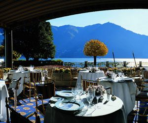 15-lake-como-villa-restaurant