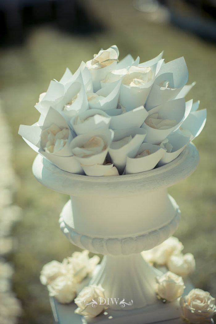 15 Fiesole wedding petals