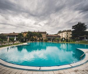 17-verona-wedding-villa-pool
