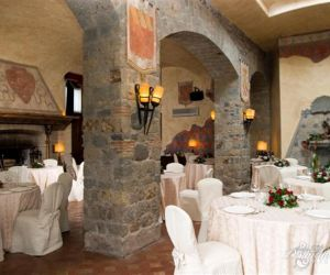 23-roman-wedding-castle-venue