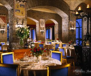 24-roman-wedding-castle-venue