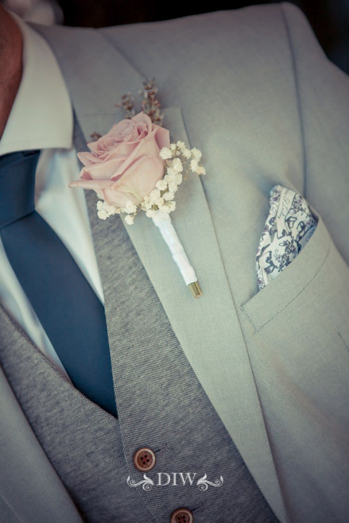 28 Florence wedding boutonniere