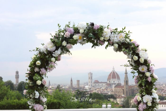 28 Florence wedding flower arch