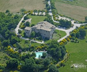 Umbrian Wedding Castle 01