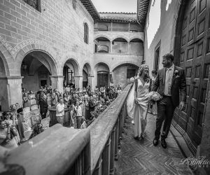 tuscany-wedding-castle-24